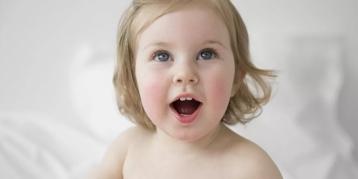 不仅过敏,还吐奶!宝宝营养跟得上吗?