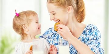 """告别婴儿时代,让宝宝快乐享受""""一日三餐"""""""