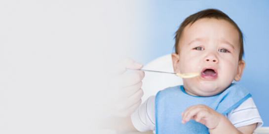 不好好吃东西的宝宝在闹啥?