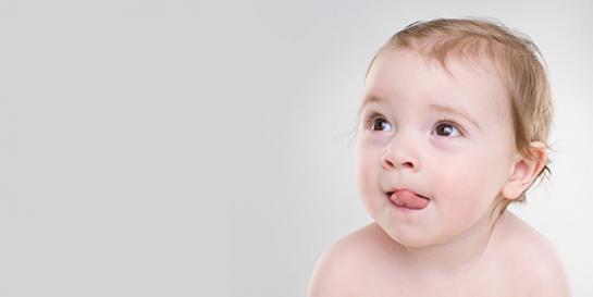 """天生小""""近视""""?宝宝视力发展的秘密"""